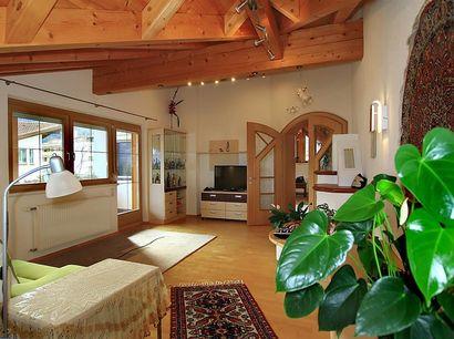 Wohnzimmer-mit-gr-Flach-TV.jpg